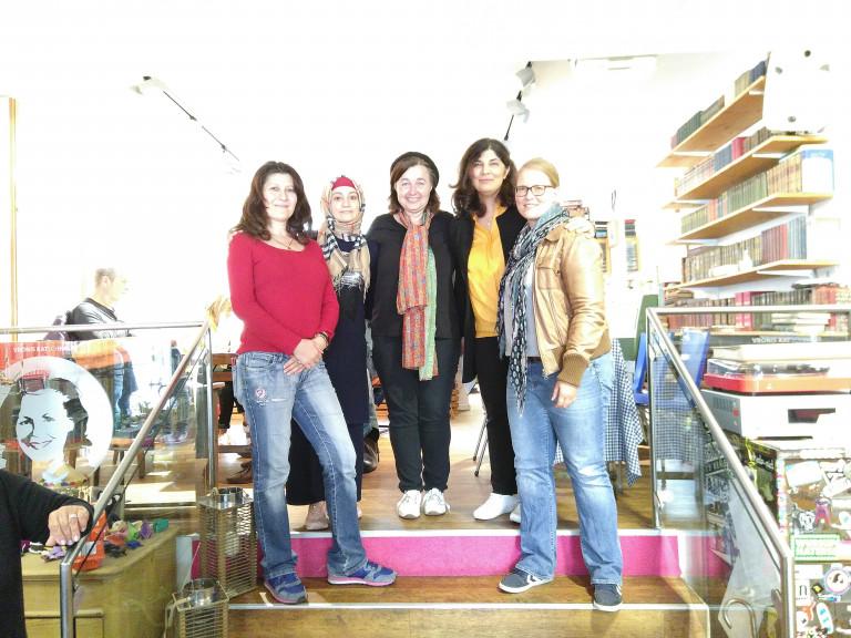 Mitglieder der ASF mit Vertreterinnen von NeFAS e. V.